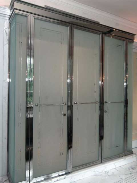 Visit Westoaks Gallery of Glass Shower Doors in Log Angeles