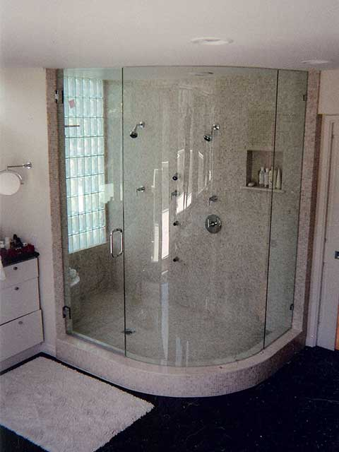 Get Glass Shower Doors from Westoaks Glass and Mirrors located in Los Angeles