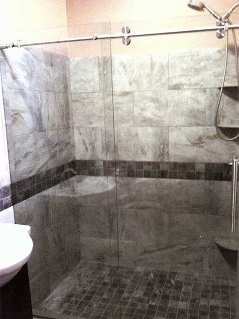 Frameless Glass Shower Doors in Los Angeles by Westoaks Glass and Mirrors