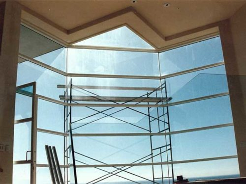 Modern Glass Wall Designs from Westoaks at Los Angeles