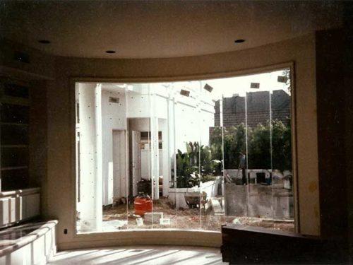 Select Glass Walls at Westoaks Glass and Mirrors at Los Angeles